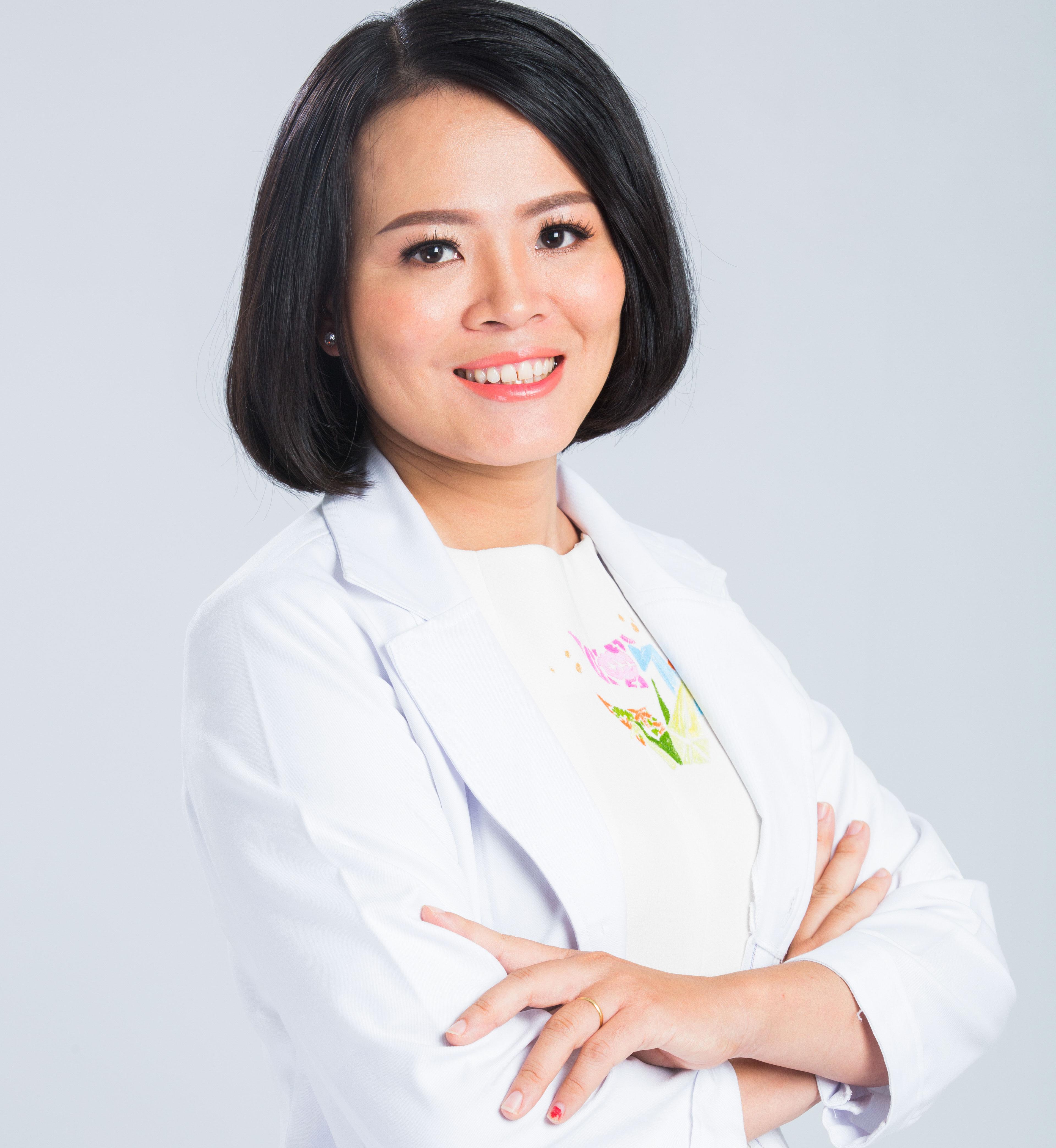 Tiến sĩ - Bác sĩ Đào Hoàng Thiên Kim