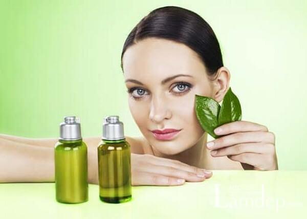 3 công thức chăm sóc da mụn với tinh dầu trà xanh