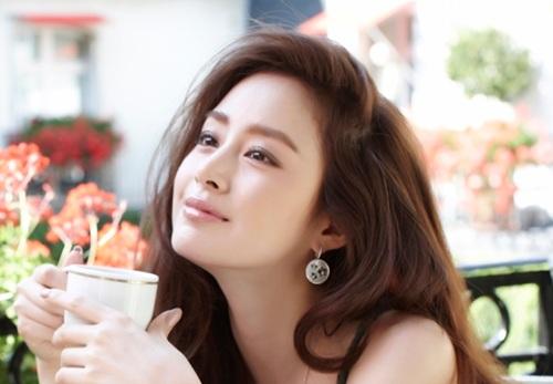 Làm sao để chăm dưỡng làn da trắng mướt như phụ nữ Hàn?