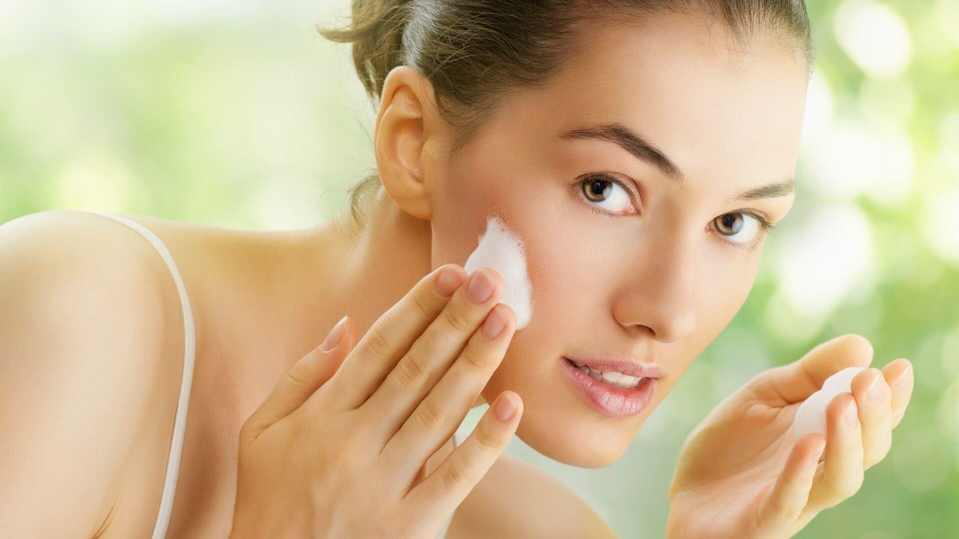 Bí kíp rửa mặt để làn da luôn mịn màng
